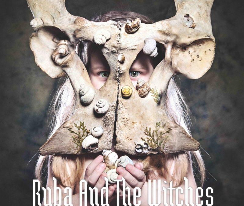 Elektroniczna hybryda czy syntetyczny kundel? – Ryba and The Witches – Spell (Recenzja)